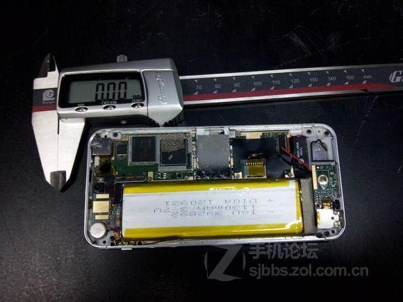 【图片】iphone3g降级iphone4拆机步骤【6p】